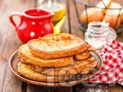Хрупкави пържени филийки с яйца, прясно мляко, канела и сода (бакпулвер) - снимка на рецептата